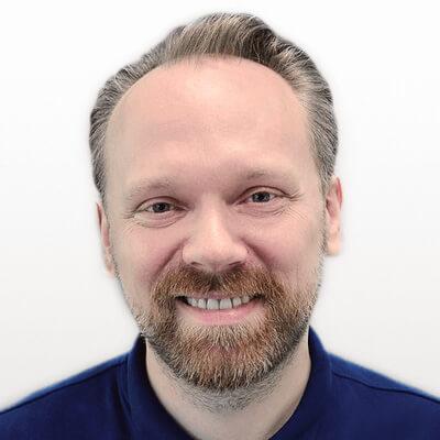 Marcin-Piekara-Dentysta-Ascroft-Medical
